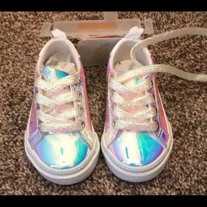 Gymboree size toddler 4 iridescent shoes